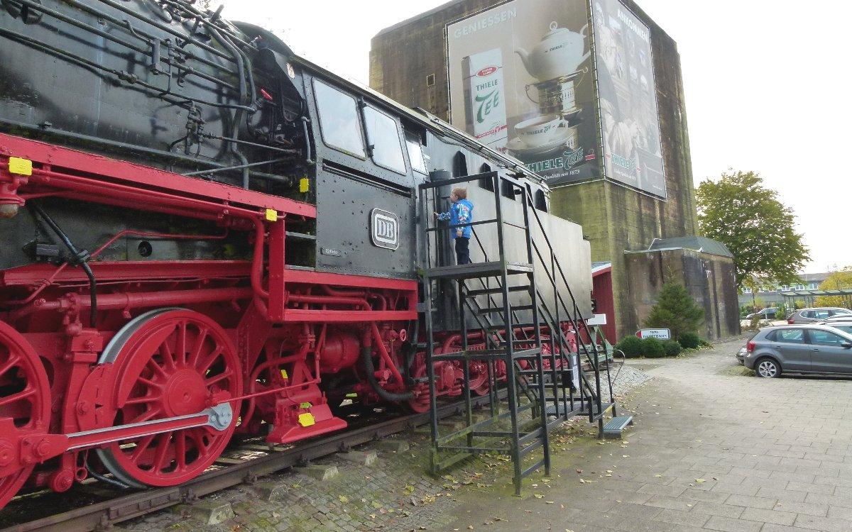 Denkmallok 043 903-4  in Emden