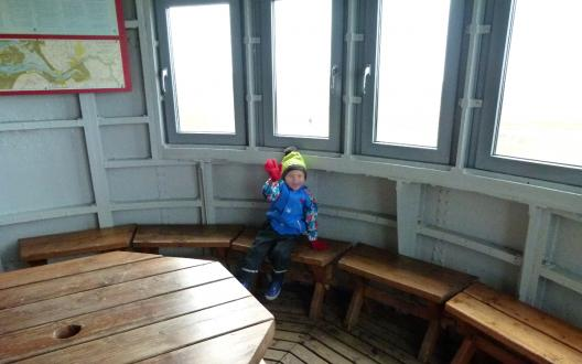 Auch für Kinder ein Erlebnis: Die Besichtigung des Pilsumer Leuchtturms