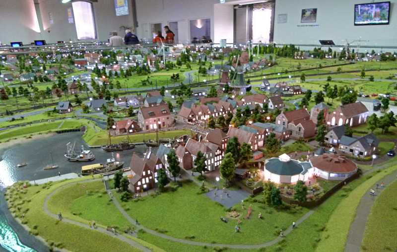 Leer: Das Miniaturland ist die zweitgrößte Anlage, nach dem Miniatur Wunderland in Hamburg