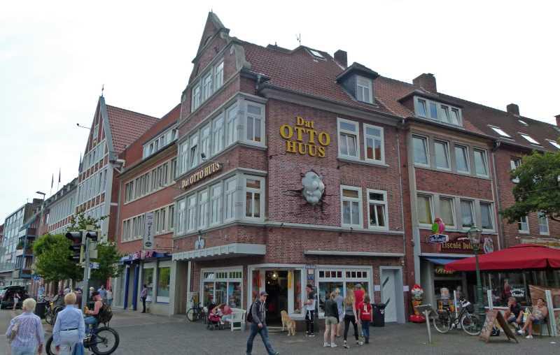 Emden: Otto Huus - Fanshop und kleines Museum von Otto Waalkes, der in Emden geboren wurde